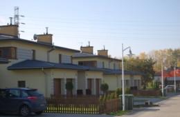 Osiedle czterolokalowych budynków Warszawa A.D. 2007/08